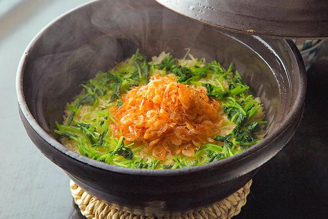 ピュアで美しいだしの滋味が冴える、「甘鯛、白ズイキ、黄身豆腐の煮物椀」、「桜エビの新生姜の土鍋炊きご飯」