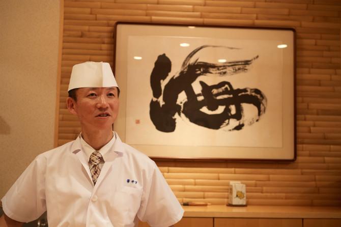 坂本安男さんは47歳。寿司栄グループは坂本さんの親戚によって切り盛りしているのだという