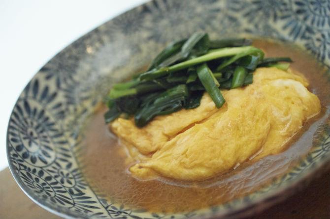 一般的なものとは違い、ニラと卵がそれぞれ別に調理された、絶品ニラ玉は600円